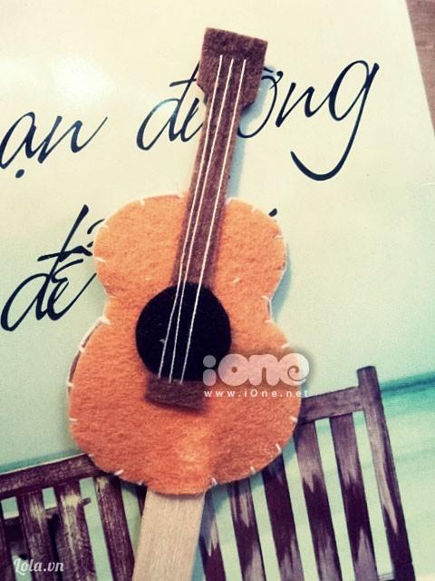 Bookmark Guitar cho cậu bạn thân lãng mạn