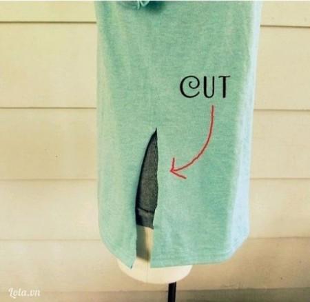 Ở dưới phần đuôi áo, bạn cắt một đường thẳng