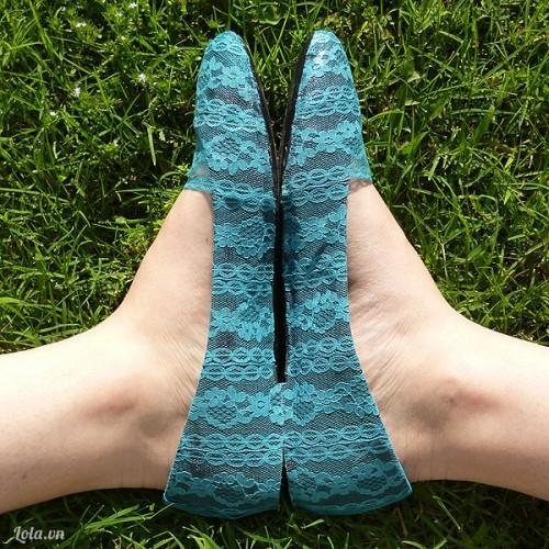 Mix giày với ren