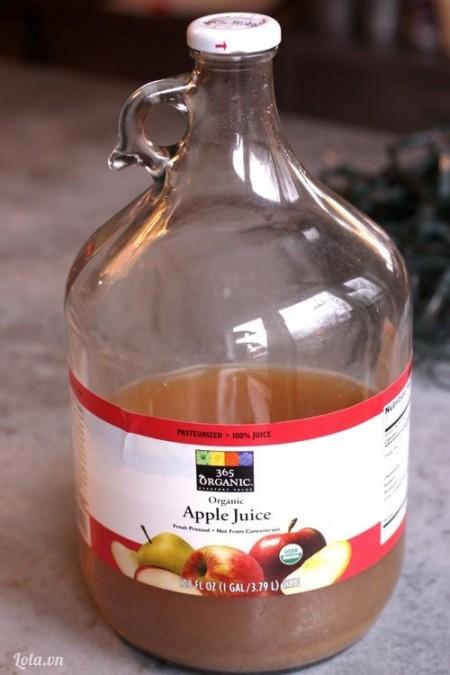 Chuẩn bị chai thủy tinh có thể dùng chai nước ngọt như sau