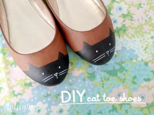 Đôi giày hình chú mèo