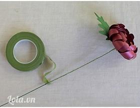 Và hoàn thành, bạn hãy làm thật nhiều hoa để cắm trang trí thêm cho đẹp nhé . Chúc bạn thành công