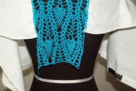Cắt bỏ phần vải bên trong của áo sơ mi ra
