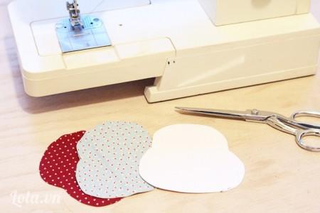 Down mẫu về in và cắt vải ra từ giấy