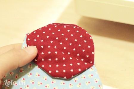 Lật ngược mặt phải lại và may phần vải còn thừa lại