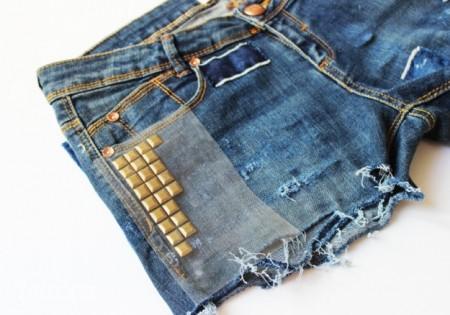 Dán lên xung quanh của mặt trước và sau của túi quần