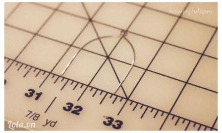 Cuộn một khung kẽm nhỏ khác có kích thước như trong hình