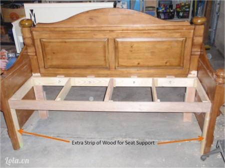 Thêm 2 khung gỗ hai bên chân phía trước nữa