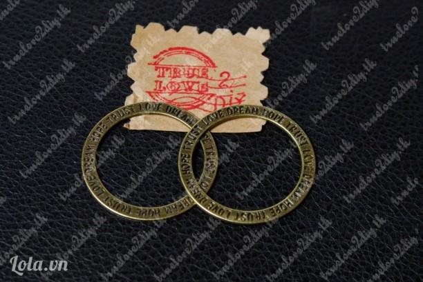 Mặt đồng hình tròn khắc chữ TRUST LOVE DREAM HOPE Mã hàng C 190511