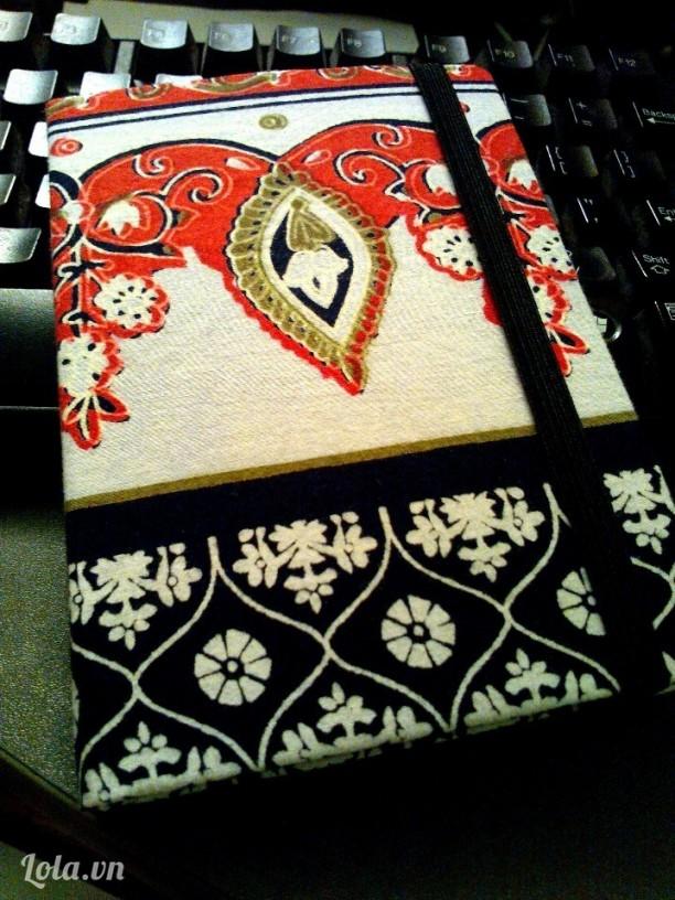 Moth Dairy (tặng kèm bookmark cùng loại vải)