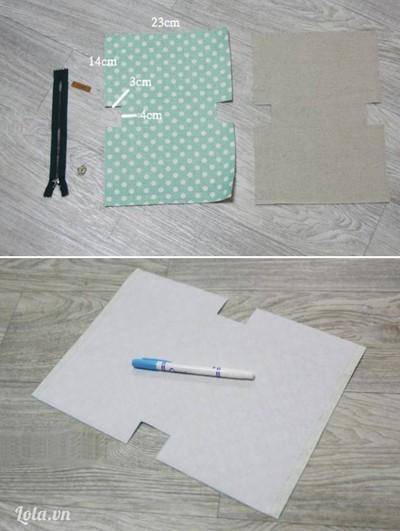 Cắt vải túi và vải lót hình chữ nhật: dài 32cm rộng 23cm, chia cạnh chiều dài 3 đoạn (14cm, 4cm, 14cm) tại đoạn giữa 4cm cắt hai đường thẳng song song vào trong dài 3cm tạo thành chữ U nằm ngang. Thực hiện tương tự cho cạnh chiều dài còn lại. Dùng bàn là là phẳng mếch vải lên tấm vải túi và cắt theo tấm vải túi. Tùy vào kích thước túi lớn hay nhỏ bạn cắt và chia vải cho phù hợp.