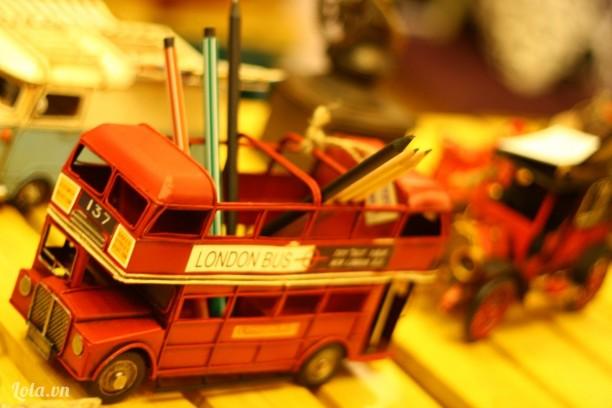 London bus cắm viết