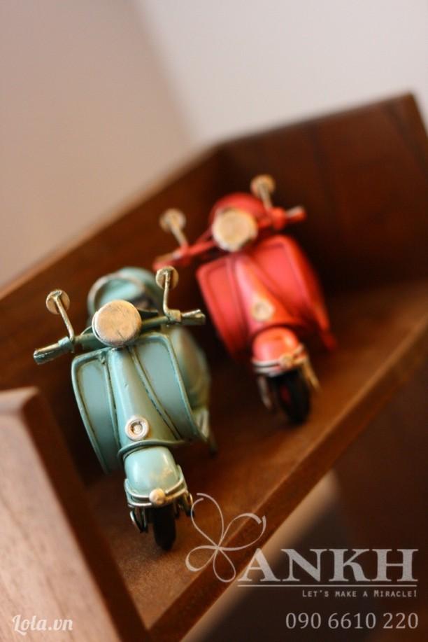 mô hình xe vespa cổ để trang trí và làm quà tặng