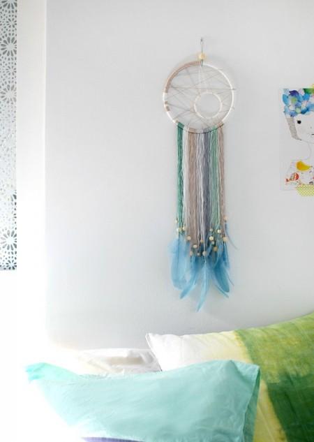"""Chiếc vòng dreamcatcher hiện đại tạo điểm nhấn cho căn phòng của bạn:"""">"""