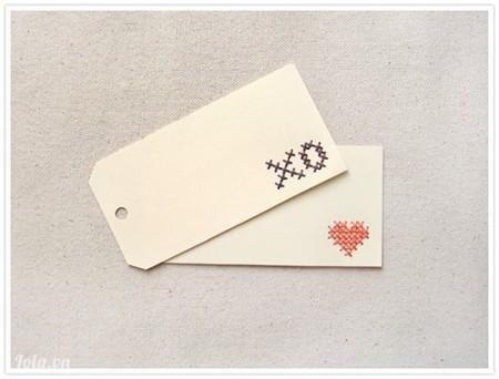 Những chiếc thẻ tên cross-stitch này cực kì dễ làm <3