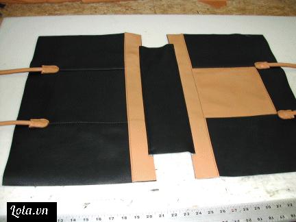 Sau khi đã có keo dán, ta ghép phần đáy vào với 2 mặt bên và khâu lại cẩn thận bạn nhé.