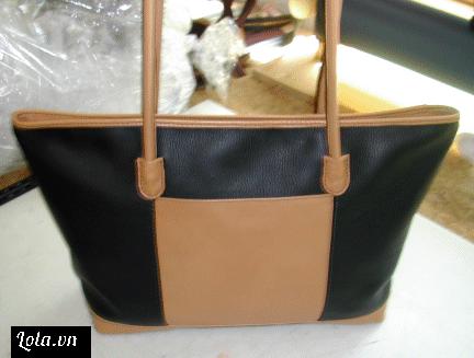 Giờ thì cùng chiêm ngưỡng tác phẩm của mình thôi, chúng ta đã có chiếc túi da đúng y như mẫu nhé. Các bạn khéo tay có thể tuỳ ý thay đổi hoặc thêm vào các chi tiếp thiết kế đặc biệt hơn cho chiếc túi xinh của mình các bạn nhé !