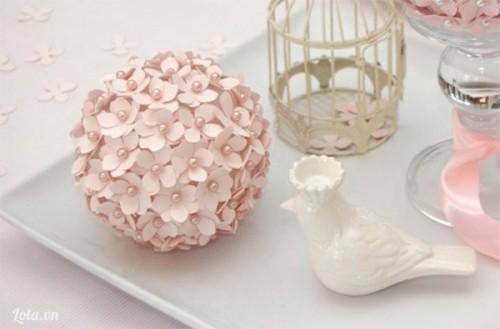 Xinh xinh quả cầu hoa cẩm tú cầu cho bàn tiệc cuối năm