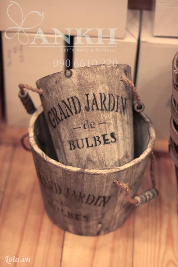 Chậu gỗ vintage