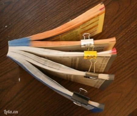Tuỳ vào độ dày mỏng của sách mà chia sách thanh 4 hoặc 5 phần