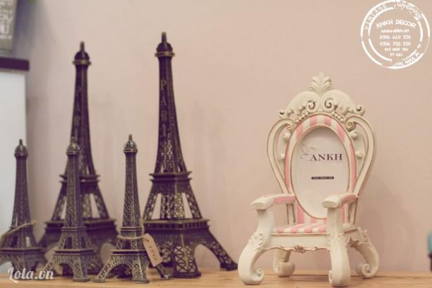 Khung hình ghế sofa hồng vintage - handmade