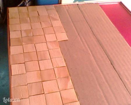 bước đầu tiên ta nàm nền móng cho căn nhà, tùy theo nền nhà ta thích làm thế nào rồi cắt que kem theo ý