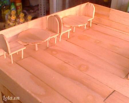 Đổ tấm xong ta tiếp tục làm bàn ghế
