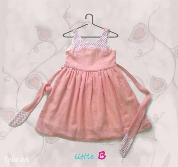 Đầm trẻ em 2 - 4 tuổi. Màu hồng ngọt ngào phối ren trắng dễ thương.
