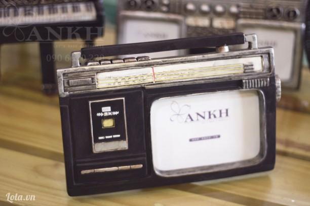 Khung hình Casset đen vintage