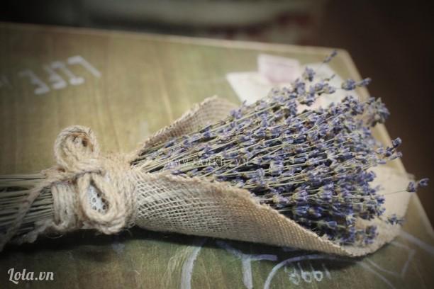 Bó hoa lavender phong cách cổ điển