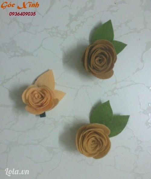 Hướng dẫn làm cài áo hoa hồng bằng vải nỉ