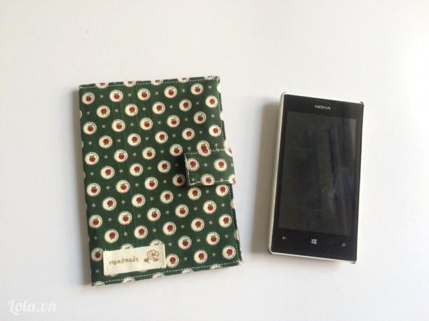 Ví ngăn passport họa tiết táo xanh