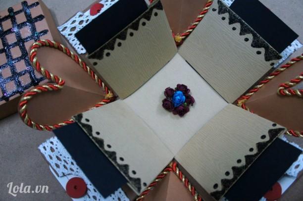 Exoloding box