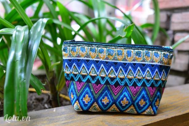 Túi dáng đứng họa tiết aztec xanh cobalt