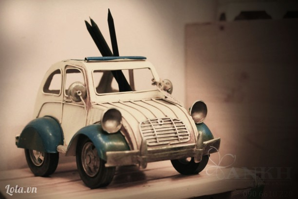 Đồ cắm viết mô hình xe hơi handmade độc đáo