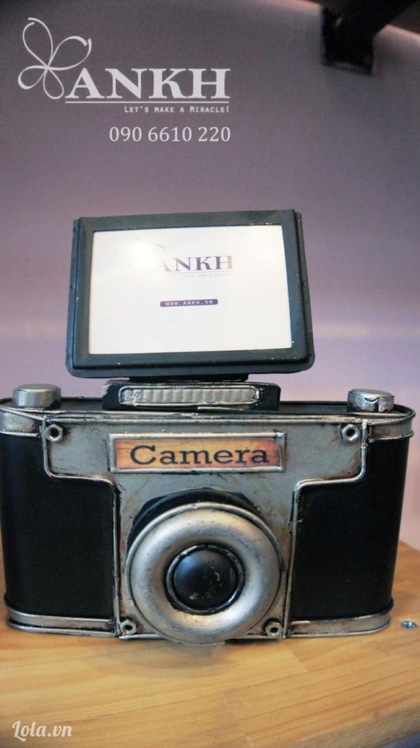 Camera cổ điển trang trí