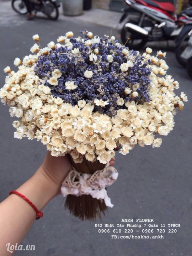 Bó hoa cưới oải hương cùng Snowy