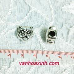 Lỗ xỏ ấn tượng làm vòng tay vòng cổ cho nam giới