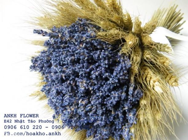 Bó hoa cưới lavender cổ điển