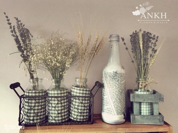 Lọ hoa oải hương để bàn phong cách cổ điển