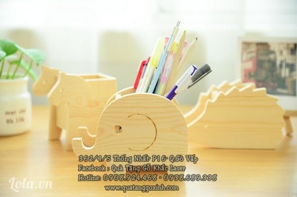 Cắm bút gỗ