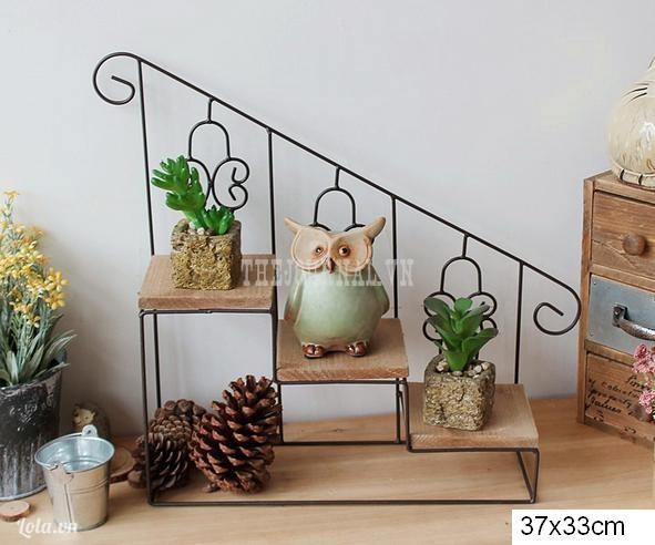 Kệ cầu thang (không bao gồm trang trí)