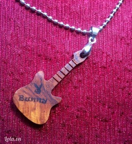 Vòng cổ đàn guitar
