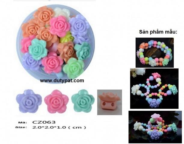 Hạt nhựa hoa hồng 20mm có 2 lỗ xỏ