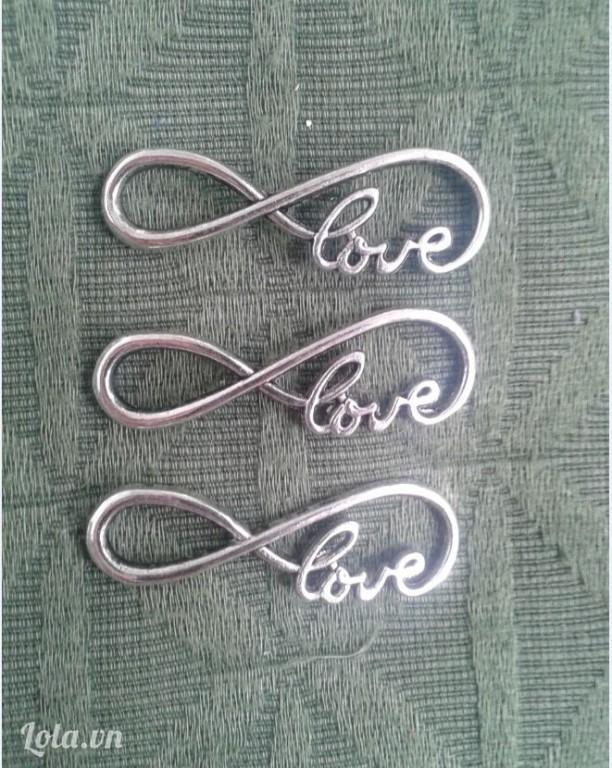 Mặt dây chuyền kim loại  chữ LOVE