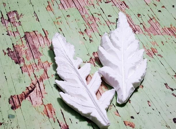 Poppy Leaf - Khuôn vân nhựa dẻo hoa đất lấy vân 2 mặt