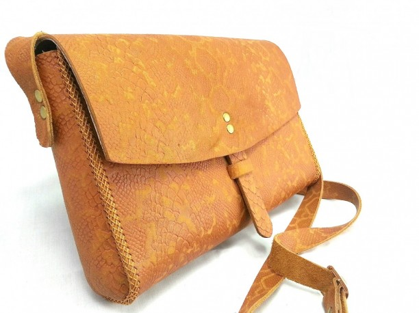 Túi đeo chéo nữ handmade Sunmoon