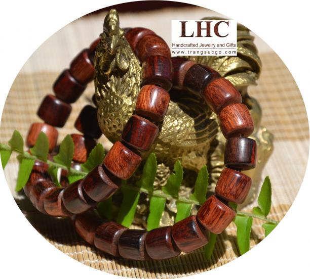 Vòng đeo tay gỗ sưa đỏ - phong cách trẻ