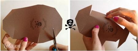 Bạn cắt các viền, cạnh trên hộp đã được đánh dấu trên giấy
