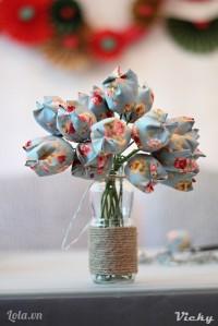 Làm theo thật nhiều hoa là ta có ngay 1 bình hoa đẹp mắt theo phong cách Vintage rùi nè